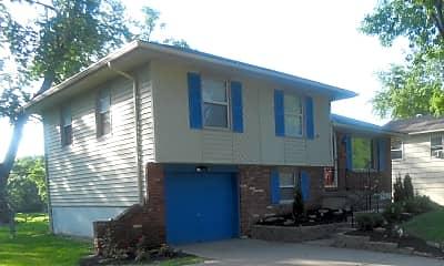 Building, 13621 Cambridge Ave, 1