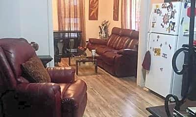 Living Room, 712 S Hayford Ave, 1
