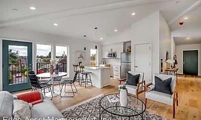 Living Room, 3450 NE 50th Ave, 0
