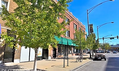 Building, 1900 W Montrose Ave, 0