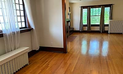 Living Room, 419 E Canedy St, 1