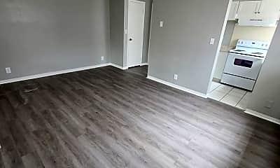 Living Room, 2729 4th St. S, 0