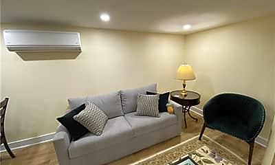 Living Room, 8 Franklin St 1, 1