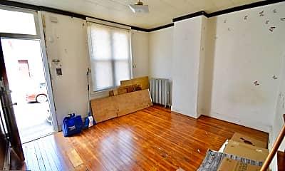 Living Room, 5020 Tacoma St, 1