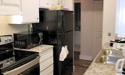 Kitchen, 615 Hall Ave, 1