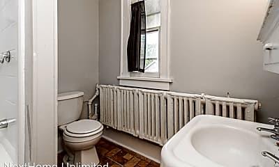 Bathroom, 417 W 1st St, 2