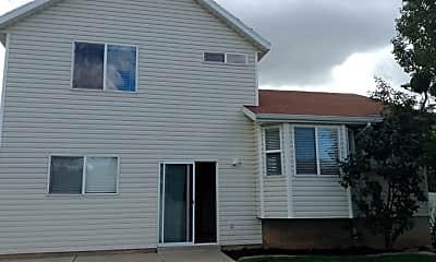 Building, 468 W 325 N, 2