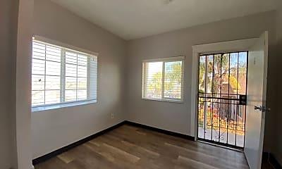 Living Room, 2143 Franklin Ave, 1