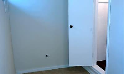 Bedroom, 1203 E Walnut St, 2