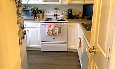 Kitchen, 4623 McClelland Dr, 2