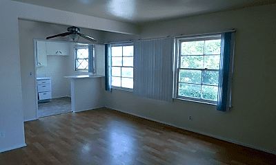 Living Room, 6300 Vineland Ave, 1