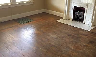 Living Room, 429 Kentucky Ct, 1