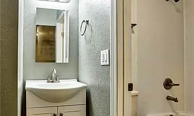 Bathroom, 4660 Westside Rd, 2