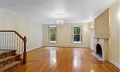 Living Room, 220 E 30th St, 0