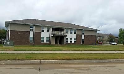 Meadows Apartments, 2