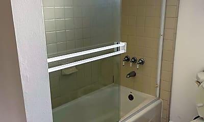 Bathroom, 372 Northumberland Ave, 2