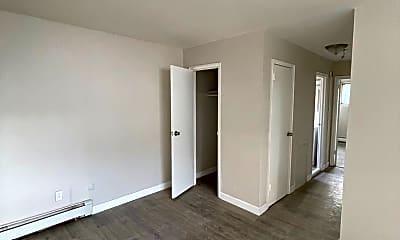 Living Room, 1300 W Albanus St, 1