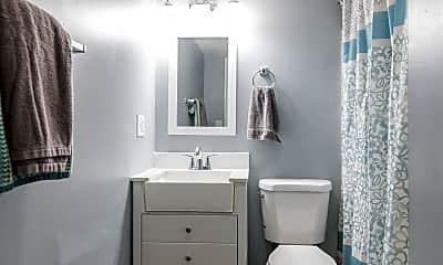 Bathroom, 401 Murray St, 2
