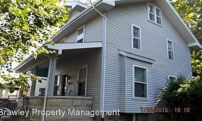 Building, 515 S Washington St, 1