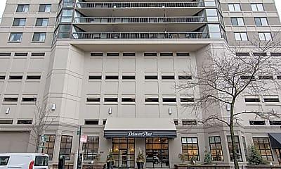 Building, 33 W Delaware Pl 7E, 1