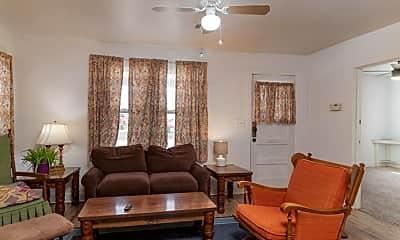 Living Room, 1606 Hillcrest St, 1