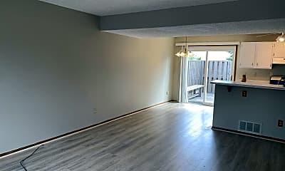Living Room, 5065 Singleton Dr, 1
