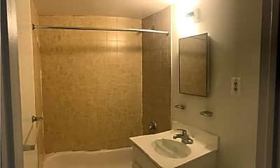Bathroom, 181 Cornelia St 2, 2