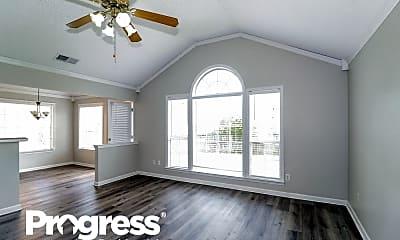 Living Room, 490 Bruins Trce, 1