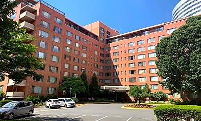 Building, 1121 Arlington Blvd 418, 0