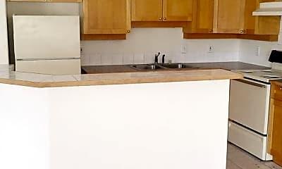 Kitchen, 3327 Racine St, 1