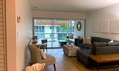 Living Room, 1417 Chesapeake Ave 201, 1