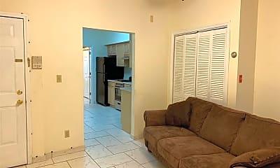 Living Room, 1020 Park Ave 4, 1