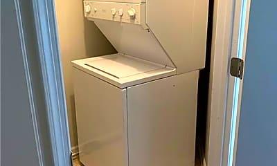 Bathroom, 4341 Baylor St, 2