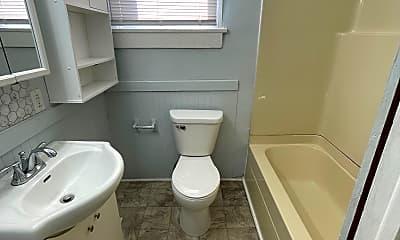 Bathroom, 519 S 15th St, 2