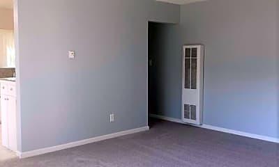 Living Room, 319 N Bush St, 1