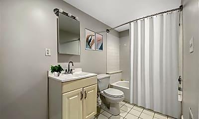Bathroom, 641 N 15th St, 0