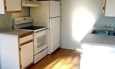 Kitchen, 700 N Pershing St, 1