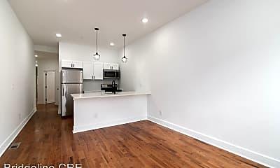 Living Room, 3033 W Diamond St, 1