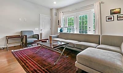 Living Room, 2984 Rittenhouse Cir, 1