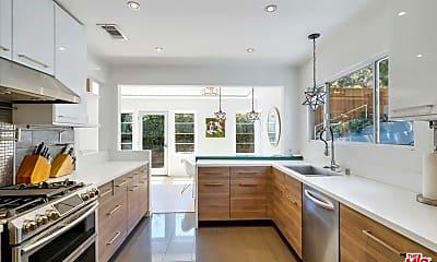 Kitchen, 8123 Coronet Dr, 1