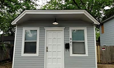 Building, 921 N Fitzhugh Ave, 0