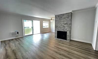 Living Room, 11728 Kiowa Ave, 0