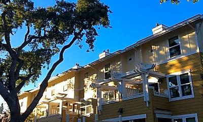 Oak Court Apartments, 2