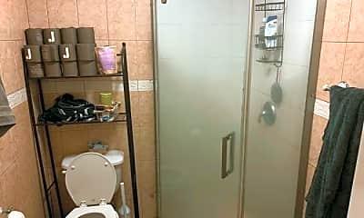 Bathroom, 193 Gates Ave, 2
