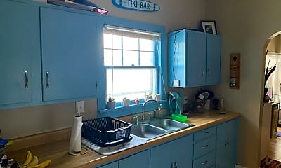 Bathroom, 510 Osage St, 2
