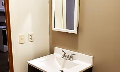 Bathroom, 1610 E Rock Falls Rd, 2