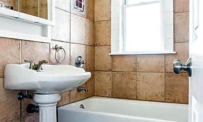 Bathroom, 34 Sumner St, 2