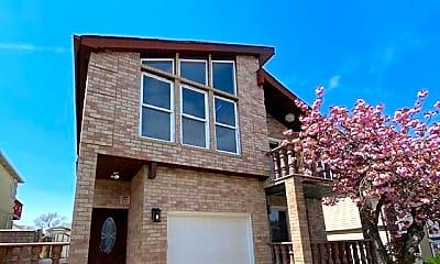 Building, 36 Hewitt Ave 2, 0