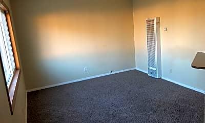 Living Room, 5019 N Hopkins St, 0