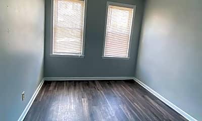 Bedroom, 153 Saratoga St, 2